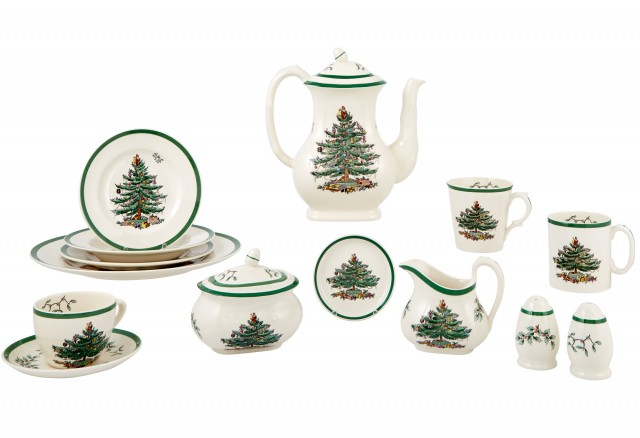 Spode Ceramic Christmas Tree Pattern Partial Dinner Service