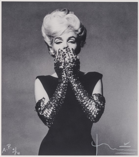 STERN, BERT (1929-2013)  Marilyn Monroe with jewelled gloves