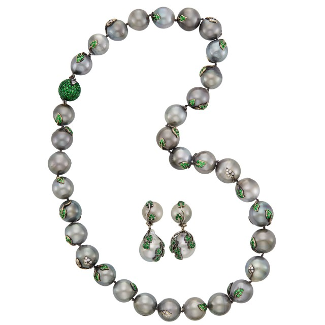 Tahitian Gray Cultured Pearl, Tsavorite Garnet and Diamond Necklace and Pair of Pendant-Earclips, Mimi