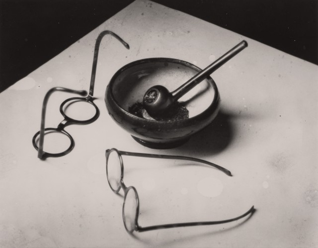 KERTÉSZ, ANDRÉ (1894-1985)  [Mondrian\'s Glasses and Pipe],