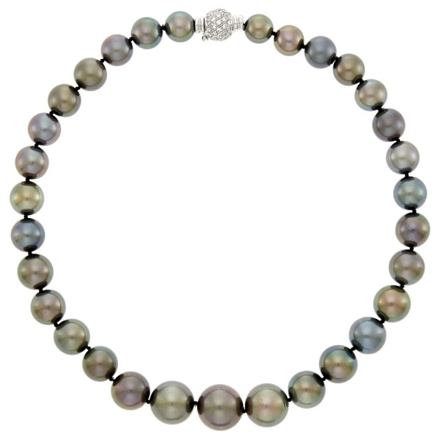 Black Tahitian Cultured Pearl Necklace with White Gold and Diamond Clasp