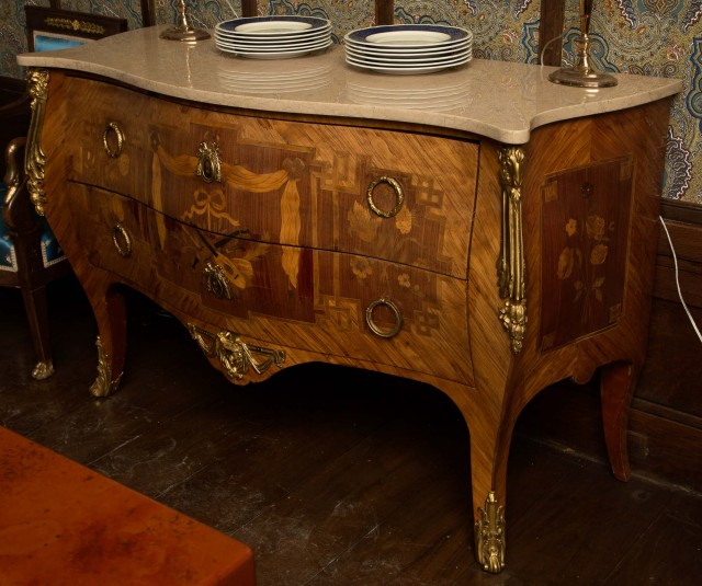 Late Louis XV Ormolu-Mounted Tulipwood and Marquetry Bombé Commode
