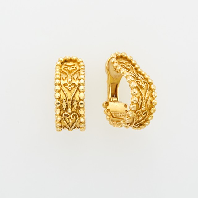 Zolotas Pair of Gold Earclips