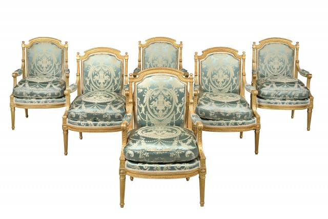 Set of Six Louis XVI Giltwood Fauteuils à la Reine
