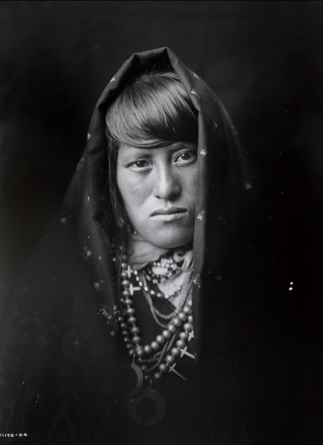 CURTIS, EDWARD SHERRIFF (1868-1952)  An Acoma Woman,
