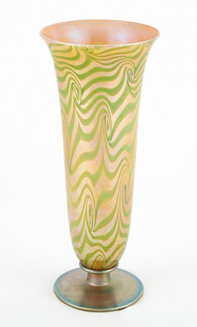 Durand Art Glass King Tut Vase, Circa 1925-31. Lot 254