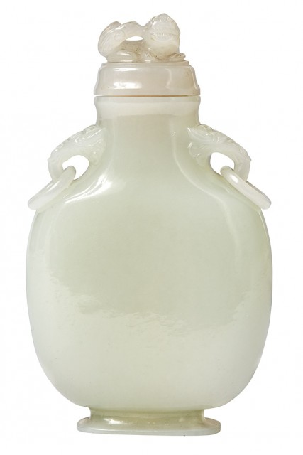 Chinese Mughal Style White Jade Snuff Bottle, Late 19th/20th century. Lot 289