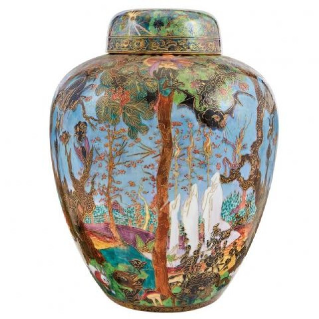 Wedgwood Fairyland Lustre Ware Ghostly Wood Malfrey Pot and Cover. Lot 289 / Auction June 7