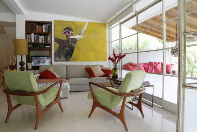 Havana Living Today: Cuban Home Style Now by Hermes Mallea