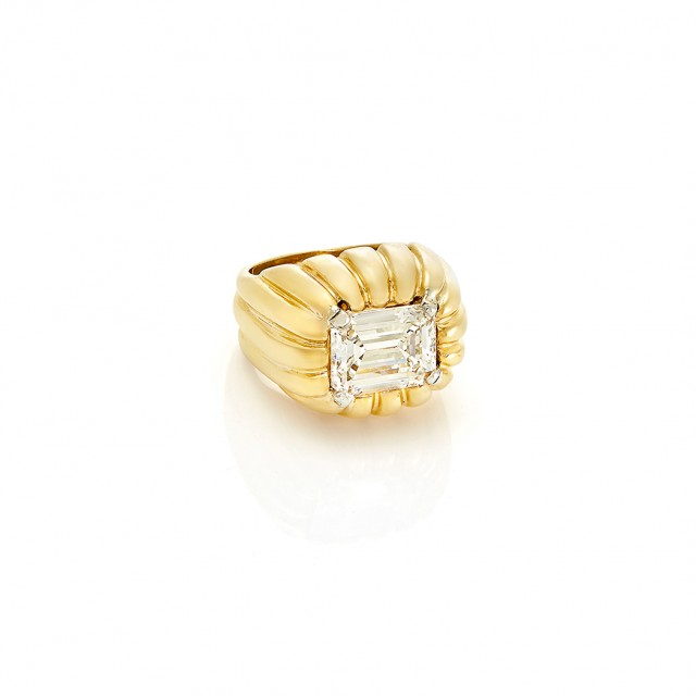 Gold and Diamond Ring, Van Cleef and Arpels, Approx. 3.33 carats, H color, VS2 clarity. Est. $20,000-30,000. Sold for $43,750.
