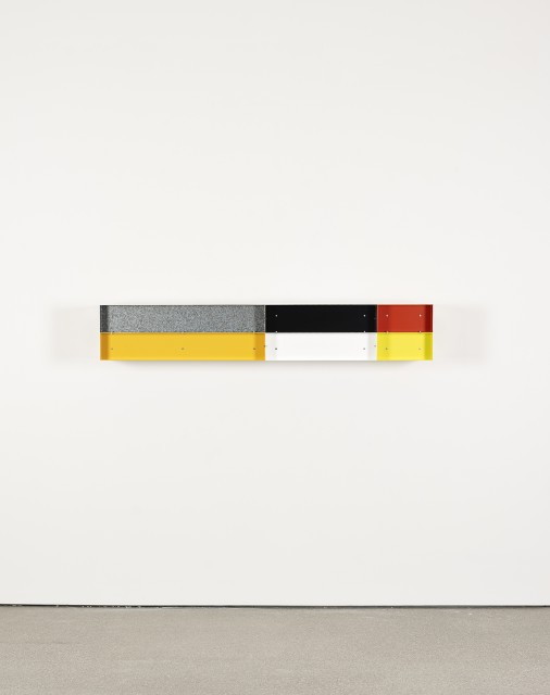 Donald Judd. Untitled. 1989. Enameled aluminum, 11 13/16 × 70 7/8 × 11 13/16″ (30 × 180 × 30 cm).